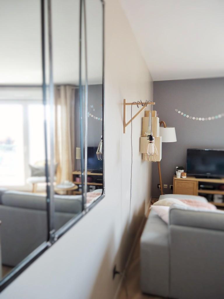 trendy une pice deux espaces with miroir cargo maison du monde. Black Bedroom Furniture Sets. Home Design Ideas