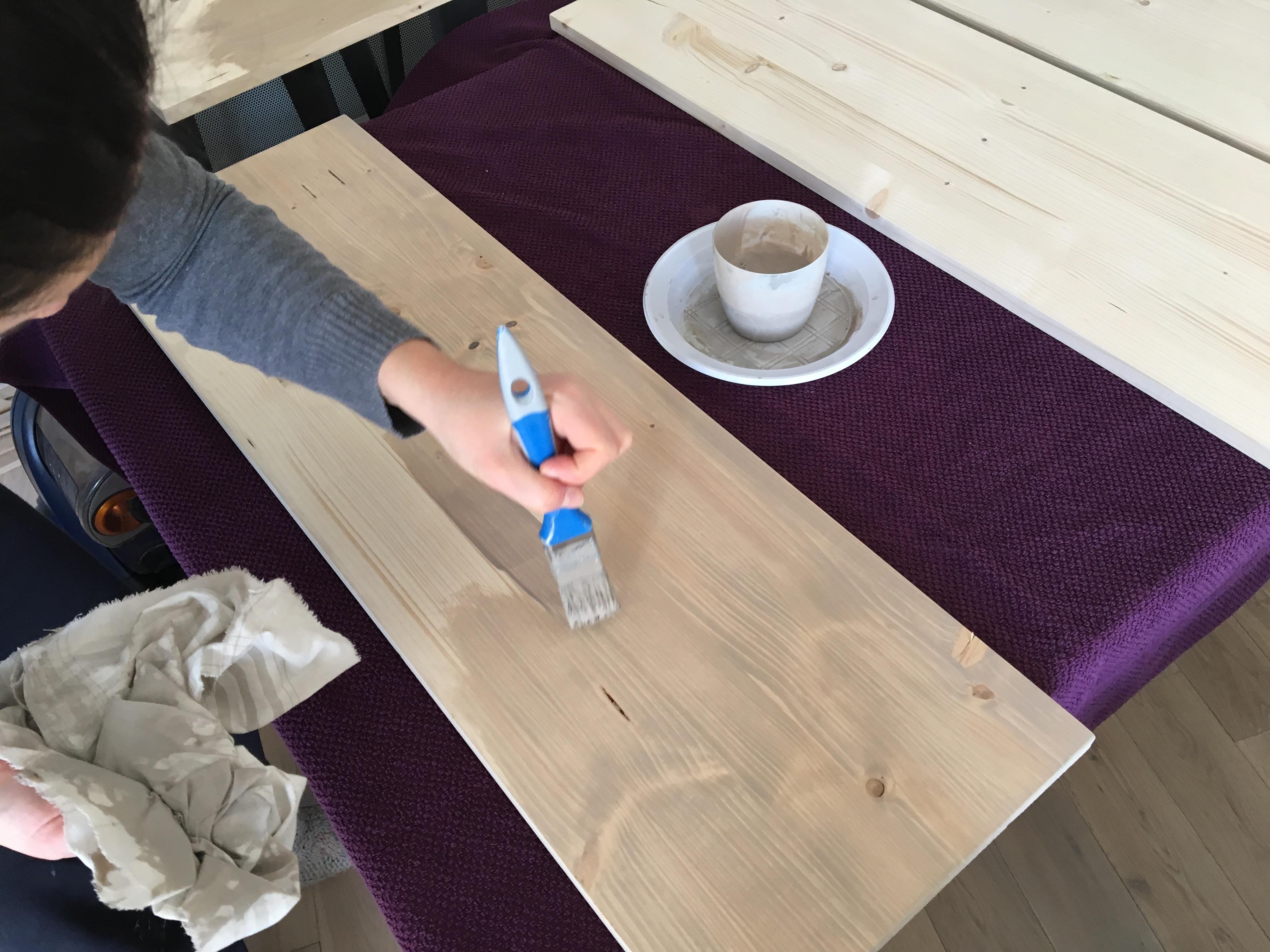 teinter du bois perfect teinter et vitrifier le bois with teinter du bois teinte de bois. Black Bedroom Furniture Sets. Home Design Ideas